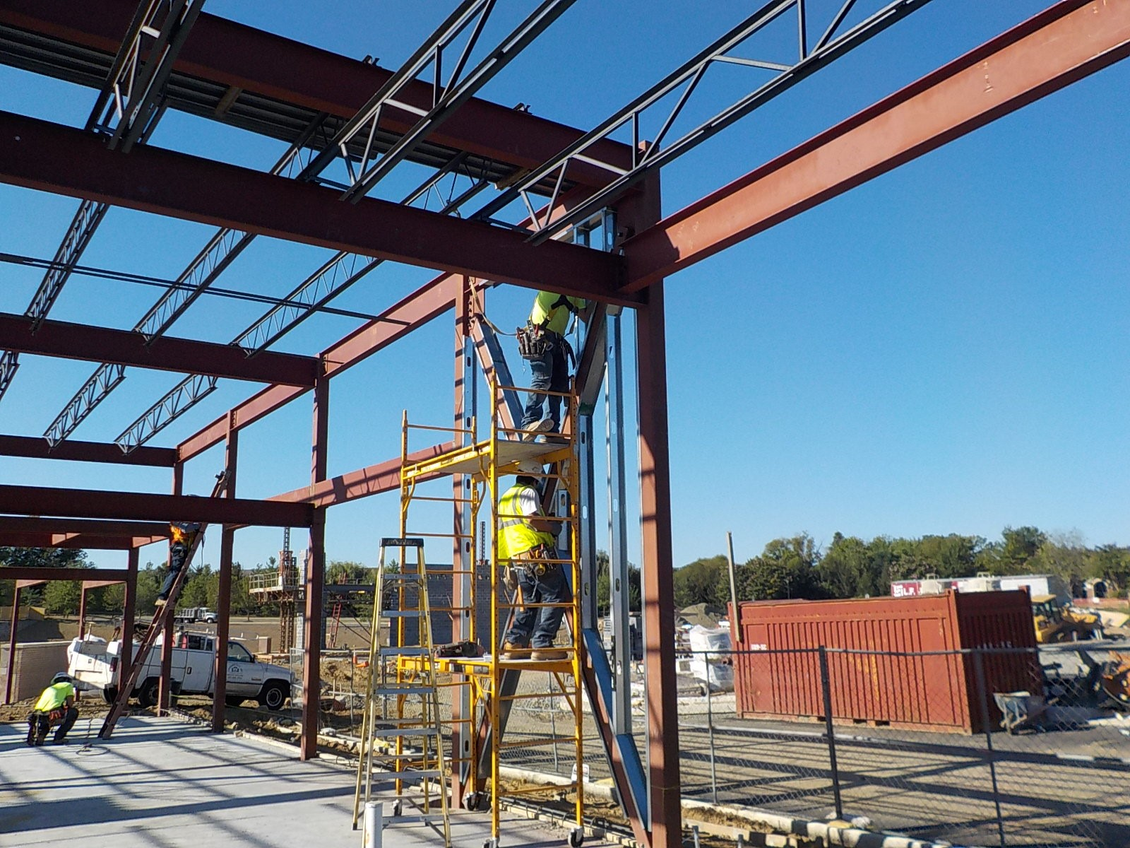 The use of technology and apps for daily construction reporting, sharing photos and scheduling look-aheads has become common practice on today's commercial construction job sites.