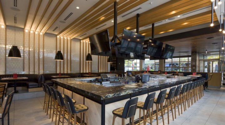 Earl's Kitchen + Bar - Chicago Restaurant Construction